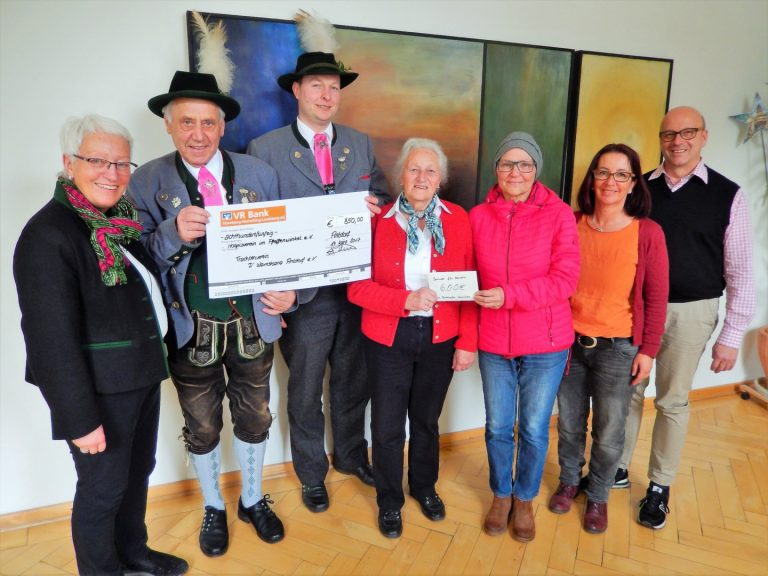 2017 -Spende Trachtler und Senioren Antdorf